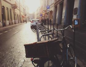 Do práce na kole? Beze všeho!