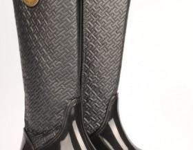 Krásná dámská obuv